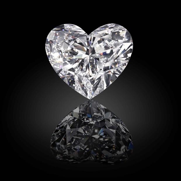 Lapidado o maior diamante em formato de coração do mundo!
