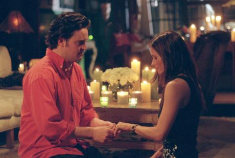 """Britânico faz pedido de casamento inspirado em episódio de """"Friends"""""""