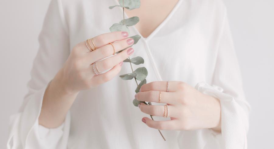 Minimalismo: aneis delicados e fininhos