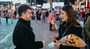 Ela sonhava com um pedido de casamento na Times Square