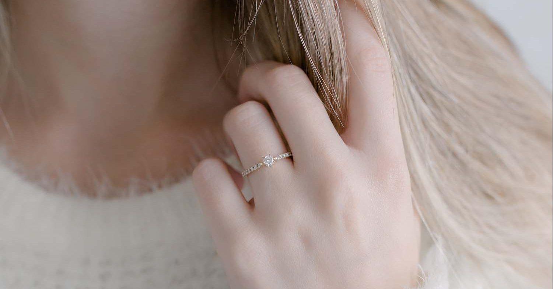 Como escolher o tamanho do diamante do seu anel de noivado