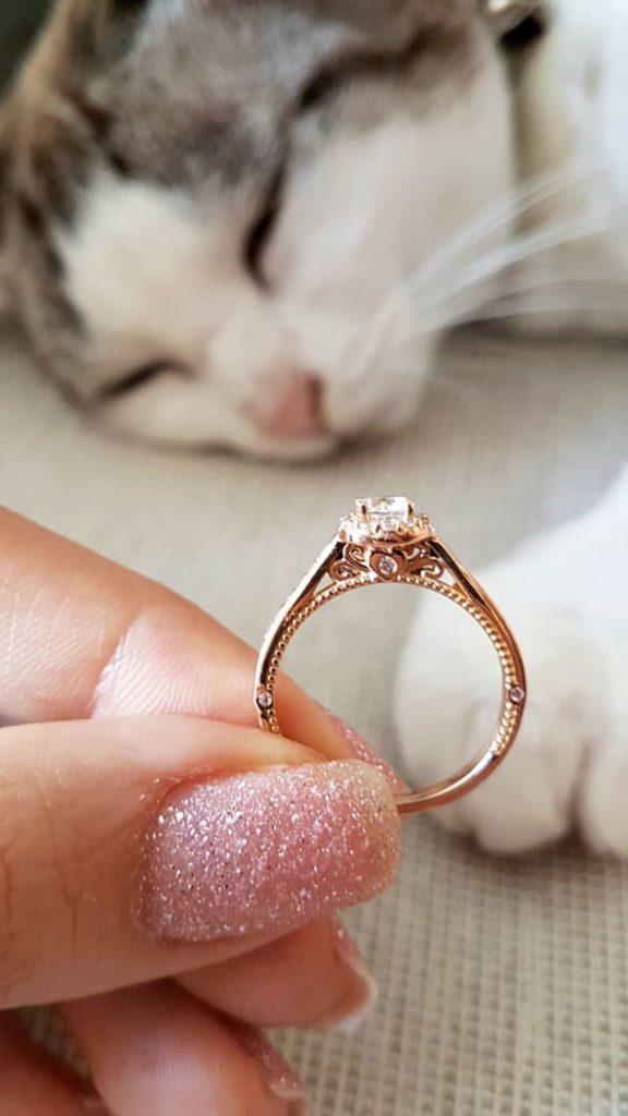 anel de noivado em ouro rosé