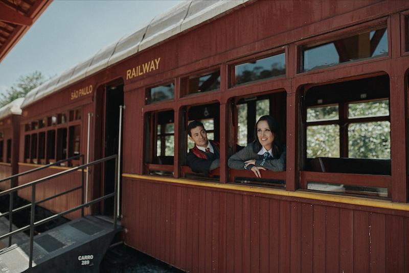 foto de casal no trem