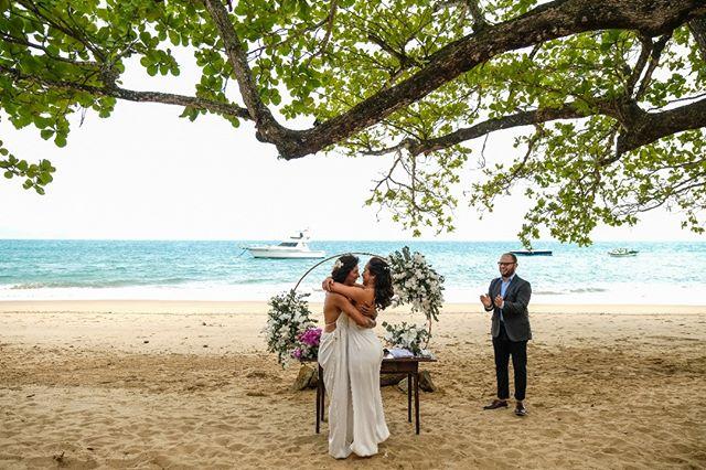 Casamento a Dois na praia Cris Rozeira