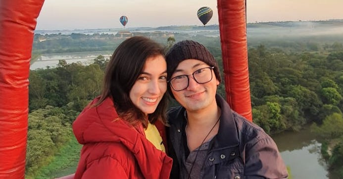 Ele planejou um pedido de casamento íntimo em um passeio de balão
