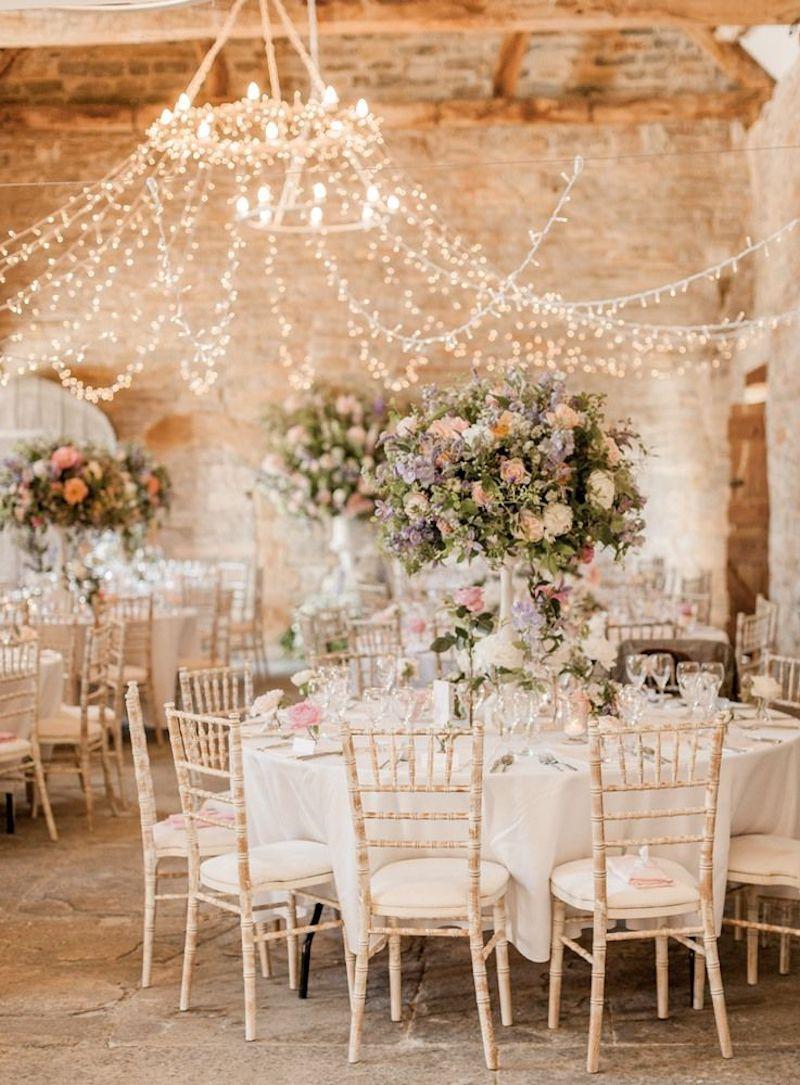 decoração iluminada para festa de casamento