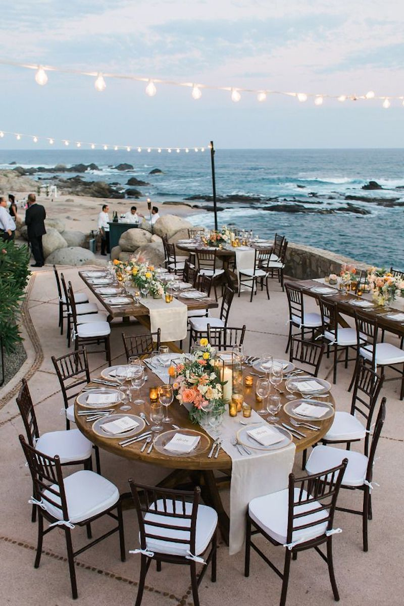casamento na praia com luzes
