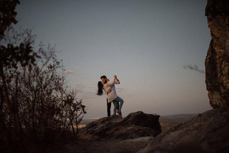 pedido de casamento com pôr-do-sol