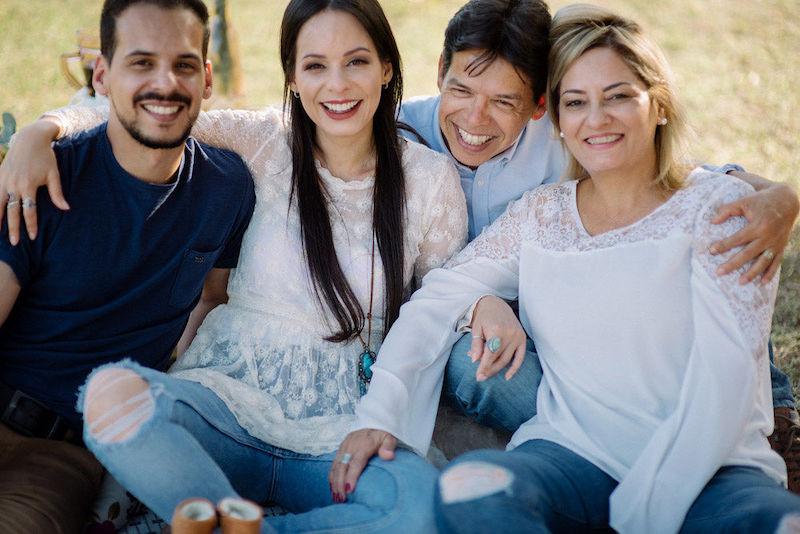 pedido de casamento com família reunida