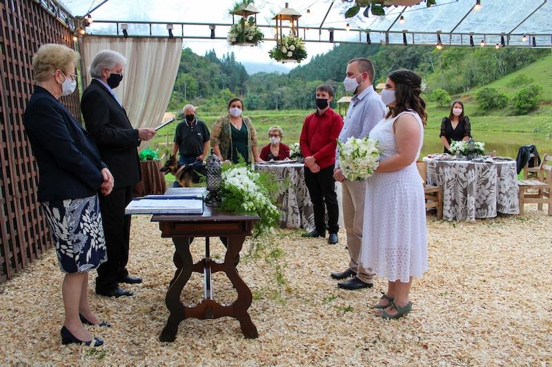 cerimônia de casamento durante pandemia