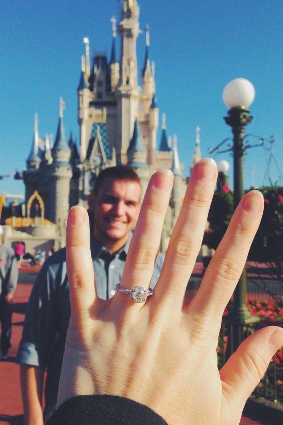 anúncio de noivado na Disney
