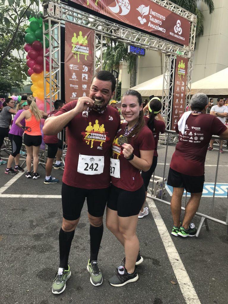 casal que corre juntos
