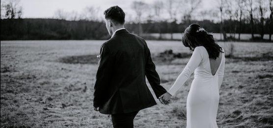 Vestidos de noiva com decote nas costas: 22 modelos para te inspirar