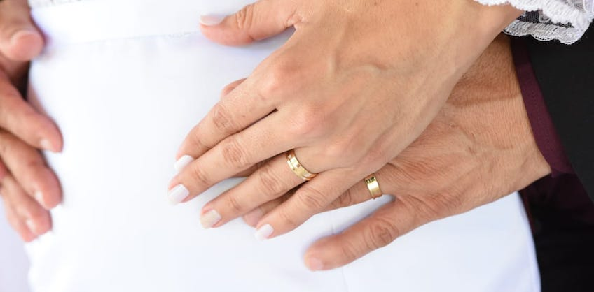 8 dicas para escolher a aliança de casamento perfeita para vocês!