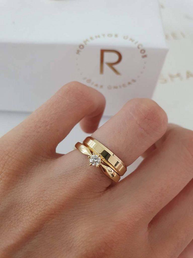 anel solitário combinado com aliança