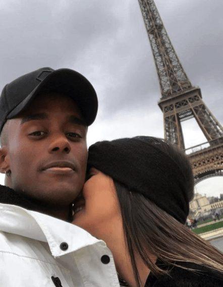 Pedido em Paris: Carol e Caju