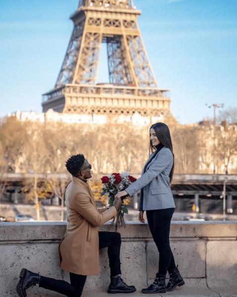 pedido de casamento surpresa em Paris Caju e Carol