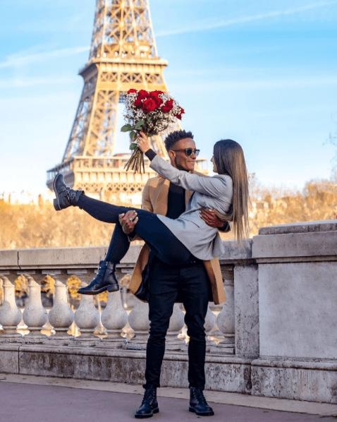 pedido de casamento romântico em Paris Caju e Carol