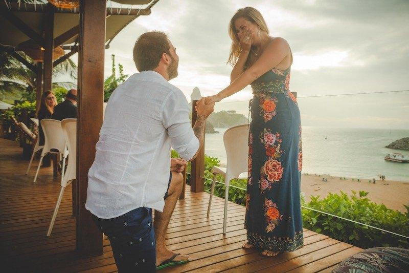 tradição de pedir em casamento ajoelhado