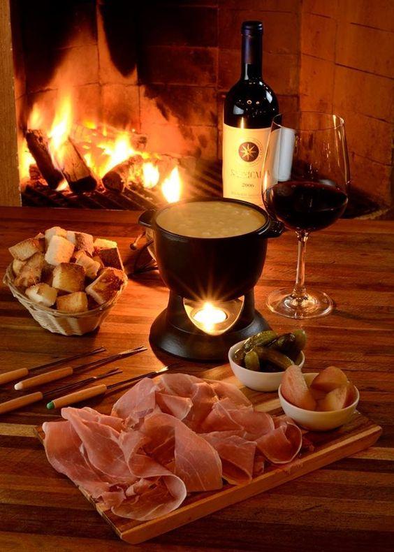fondue com vinho para comemorar o dia dos namorados