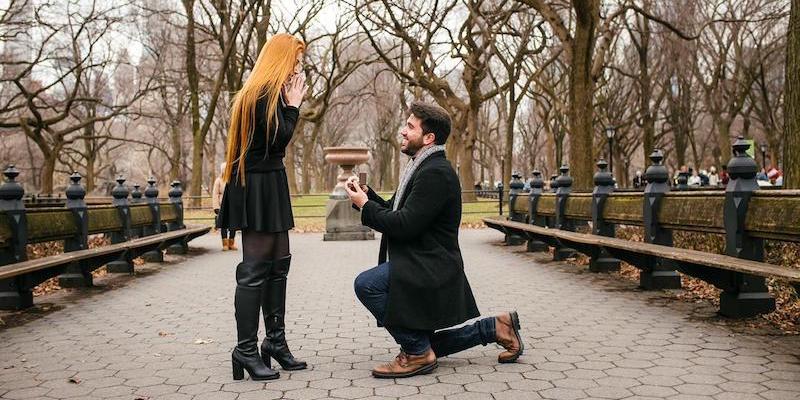 6 ideias para fazer um pedido de casamento no Dia dos Namorados
