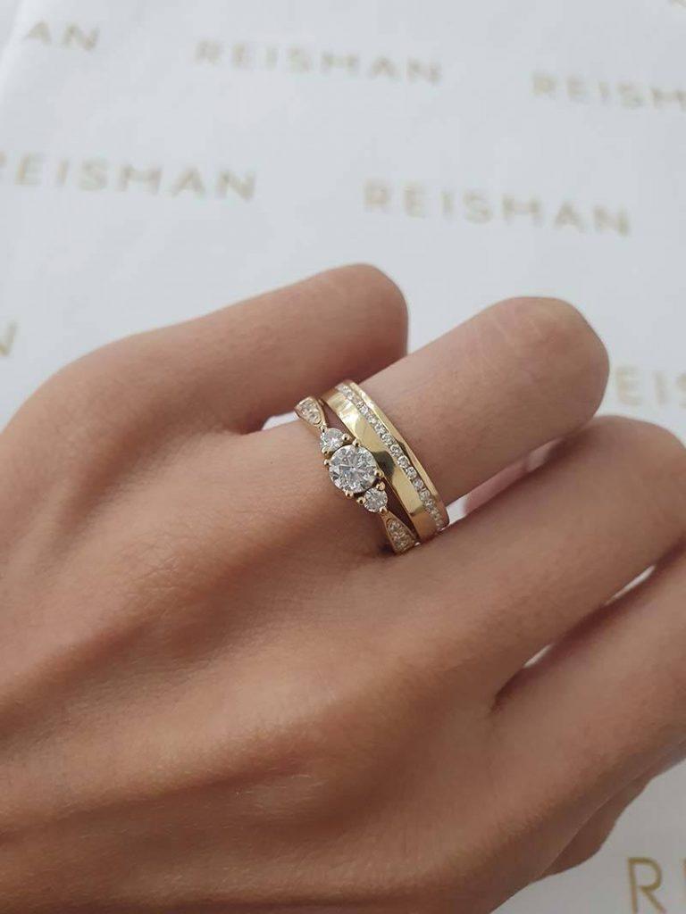 anel 3 pedras com aliança com diamantes