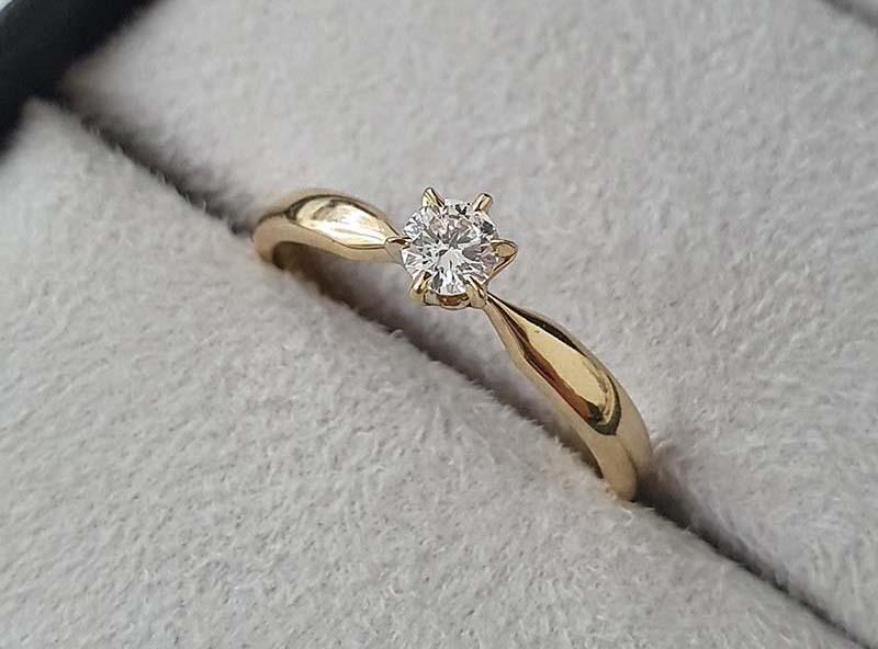 anel de noivado com diamante de 15pts