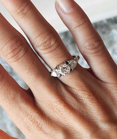anel de noivado três diamantes