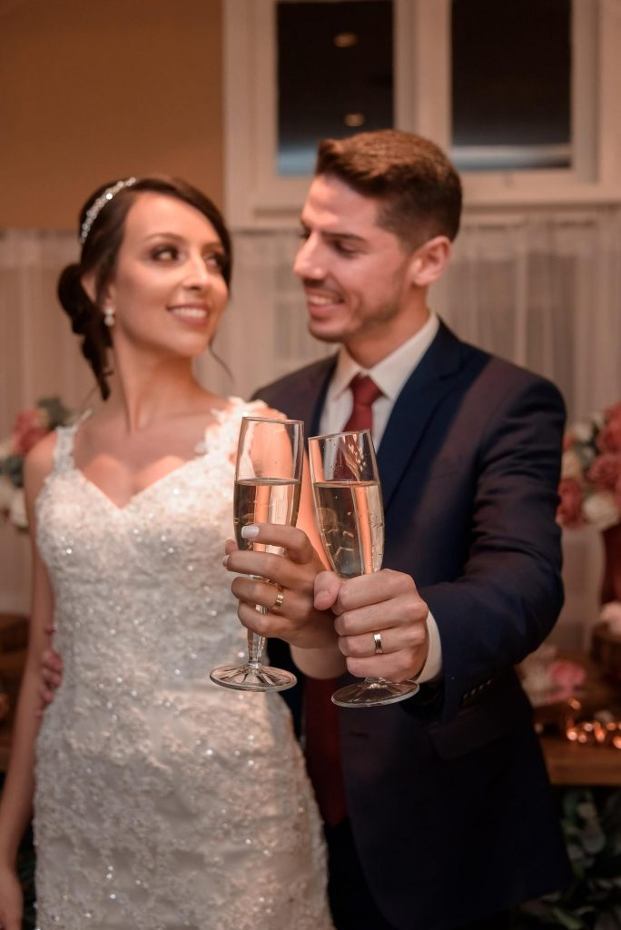alianças de casamento em ouro amarelo 18k as mais desejadas