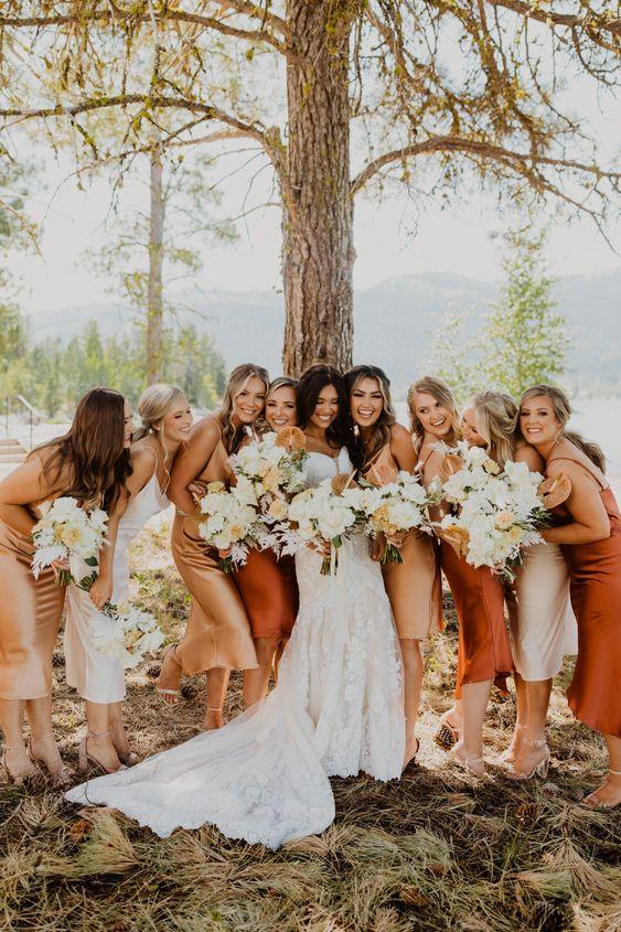 noiva com suas madrinhas de casamento