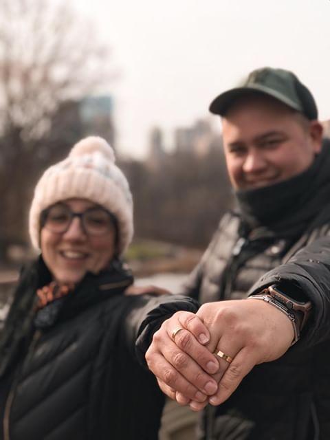 Existe anel de noivado masculino?