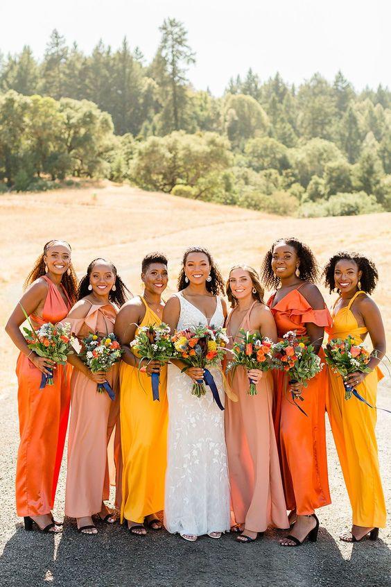 noiva definindo a paleta de cores para os vestidos