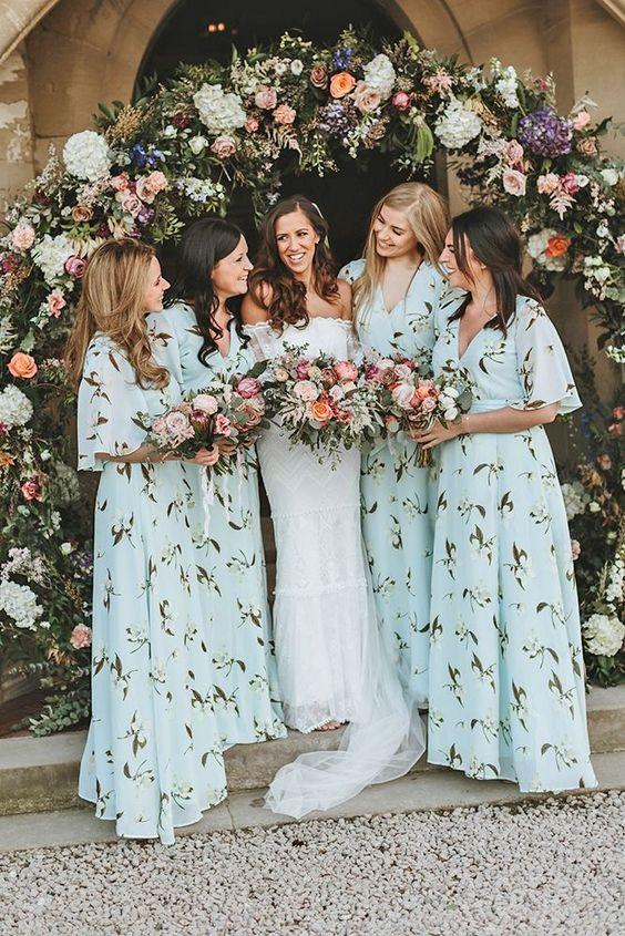 madrinhas de casamento com vestidos iguais