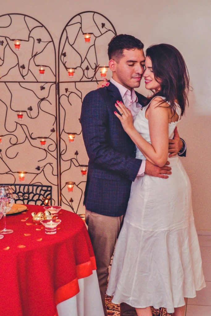 planejando o pedido de casamento em casa