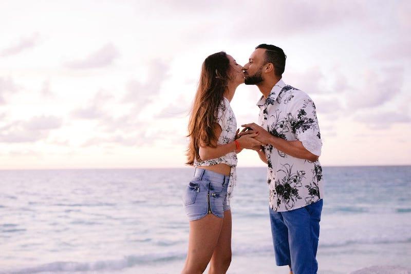 pedido de casamento surpresa na praia