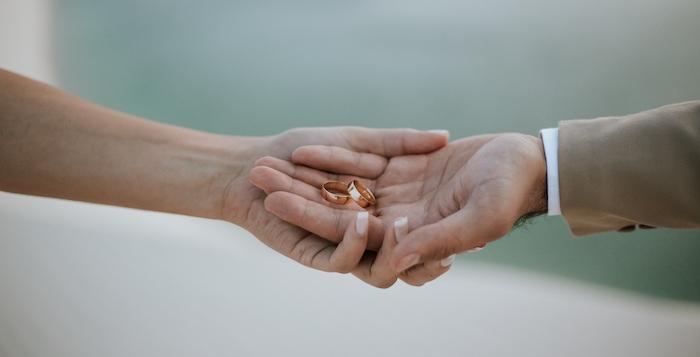 Por que as alianças de casamento em ouro AMARELO são as mais usadas?