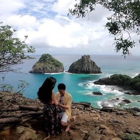 pedido de casamento em frente ao mar de Noronha