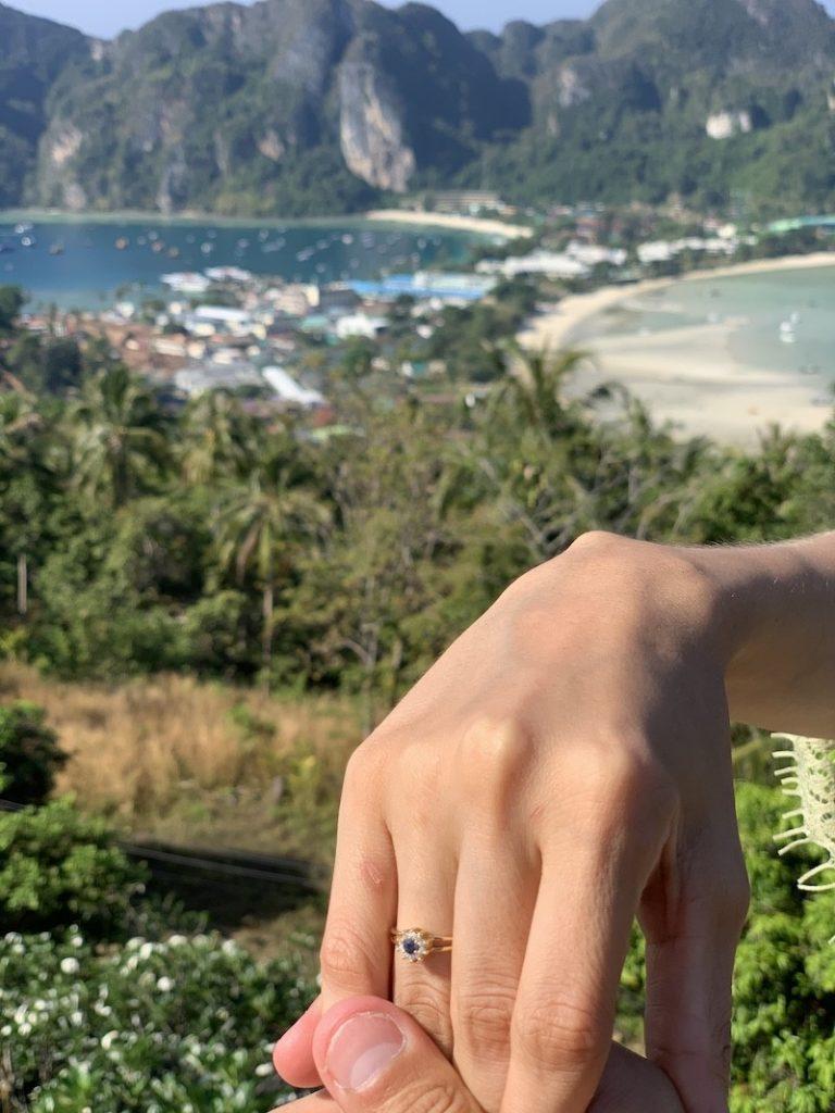 pedido de casamento surpresa na areia