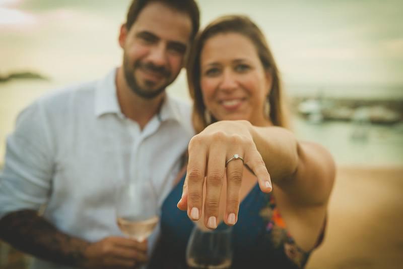 pedido surpresa com anel de noivado em ouro 18k