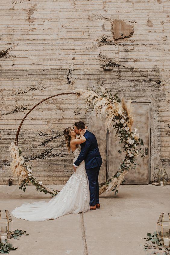 cerimônia com arco floral