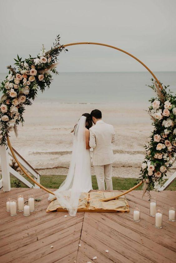 altar para casamento com flores