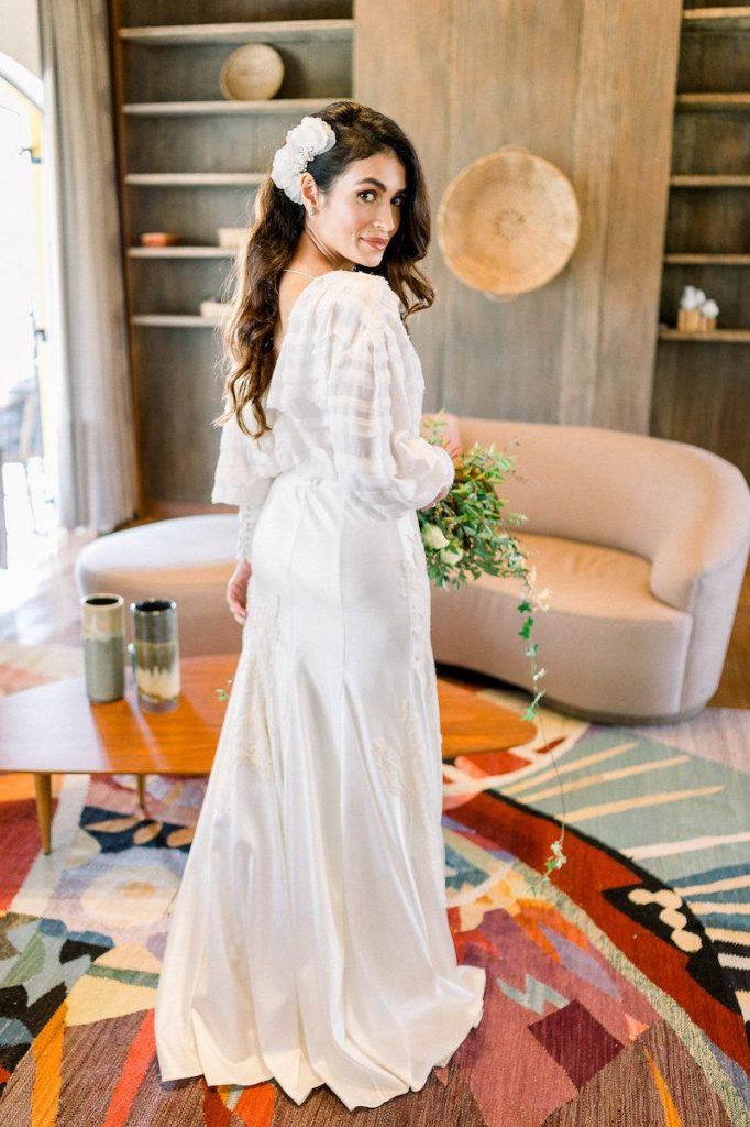 vestido de noiva de tecido leve