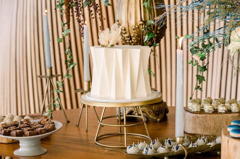 mesa decorada para casamento no campo