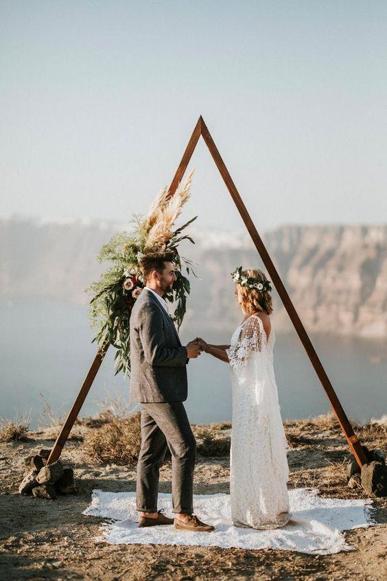 altar de casamento feitos de madeira