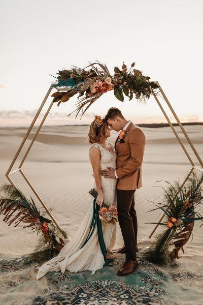 inspiração de altar casamento boho