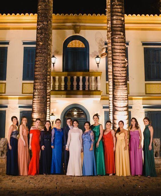 madrinhas de casamento com vestidos diferentes