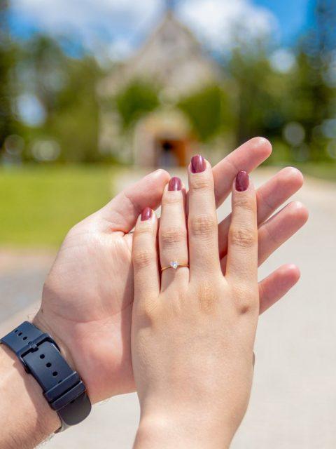 anel de noivado solitário lapidação coração