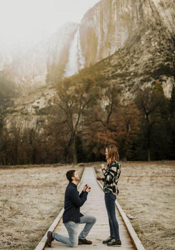 gesto universal do pedido de casamento