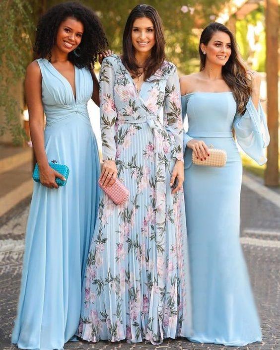 vestido de madrinha azul estampado